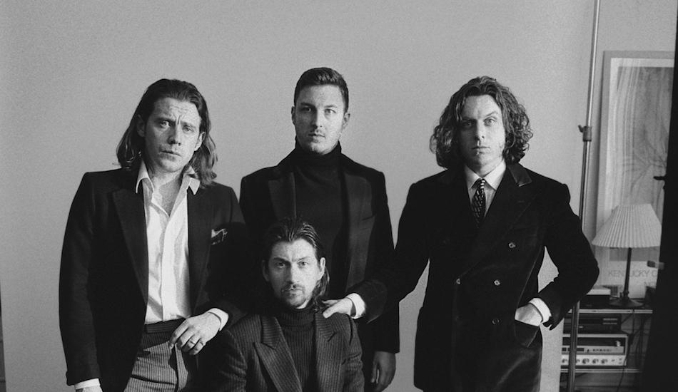 "Arctic Monkeys calme ses ardeurs avec ""Tranquility Base Hotel + Casino"""