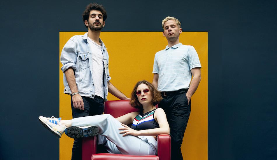 Interview : on a parlé cul et réédition d'album avec Therapie Taxi