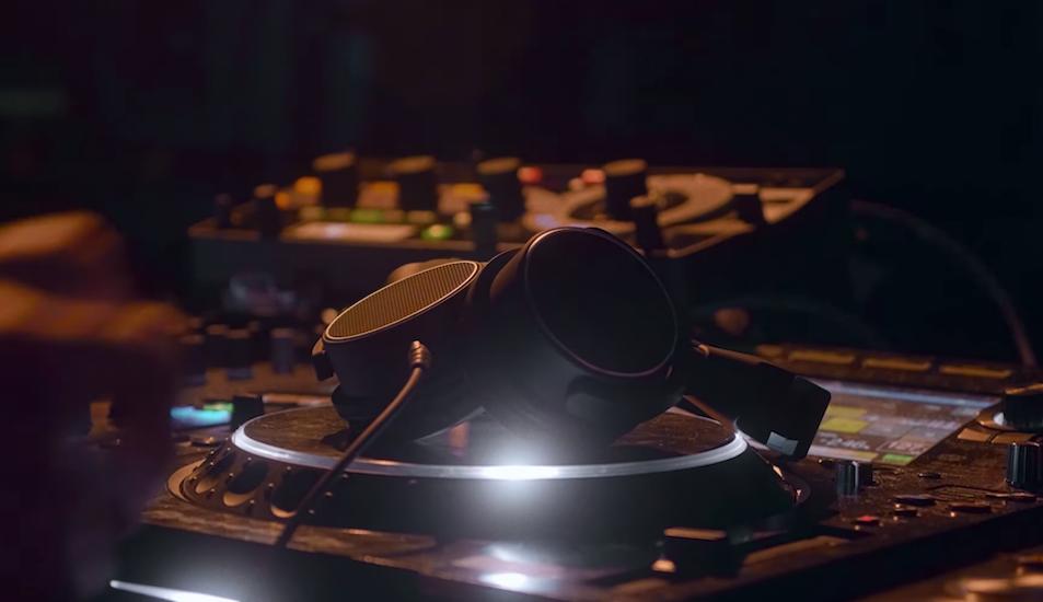 Révisez vos classiques : la BBC liste 30 morceaux qui ont changé la dance music