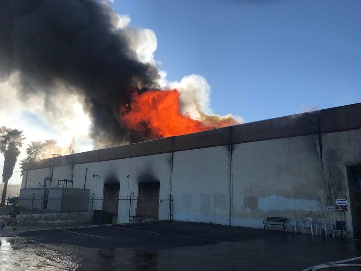 Incendie d'une importante usine de vinyle : une catastrophe pour l'industrie