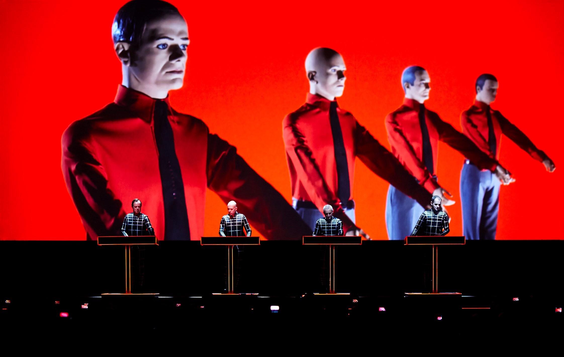 Hommage à Florian Schneider : dix samples pour mesurer l'influence de Kraftwerk