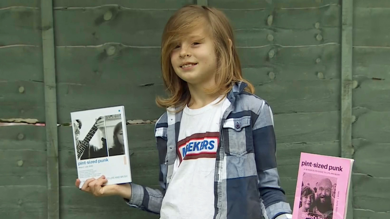 Un enfant de 10 ans crée un fanzine punk que tout le monde s'arrache