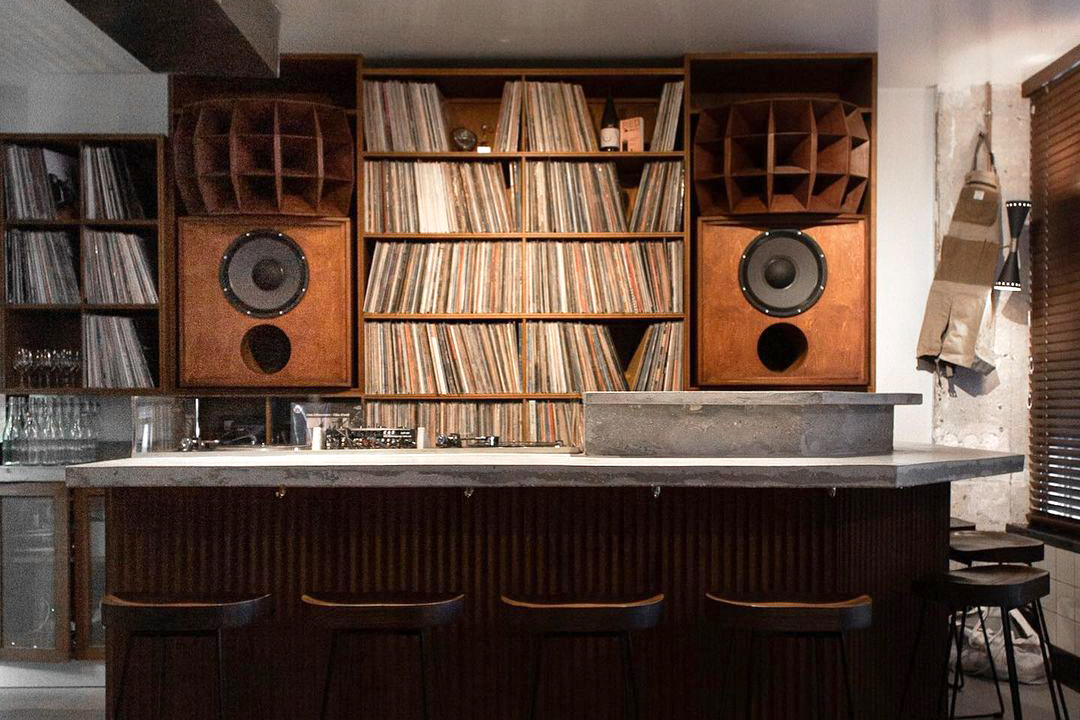 🍸 Tendance : les listening bars, là où la musique importe autant que le verre ou l'assiette