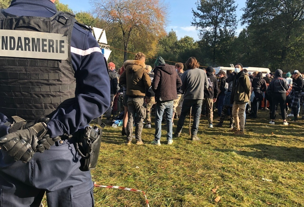 """Rave-party illégale à Lieuron : """"Nous comprenons que cela puisse être choquant"""""""