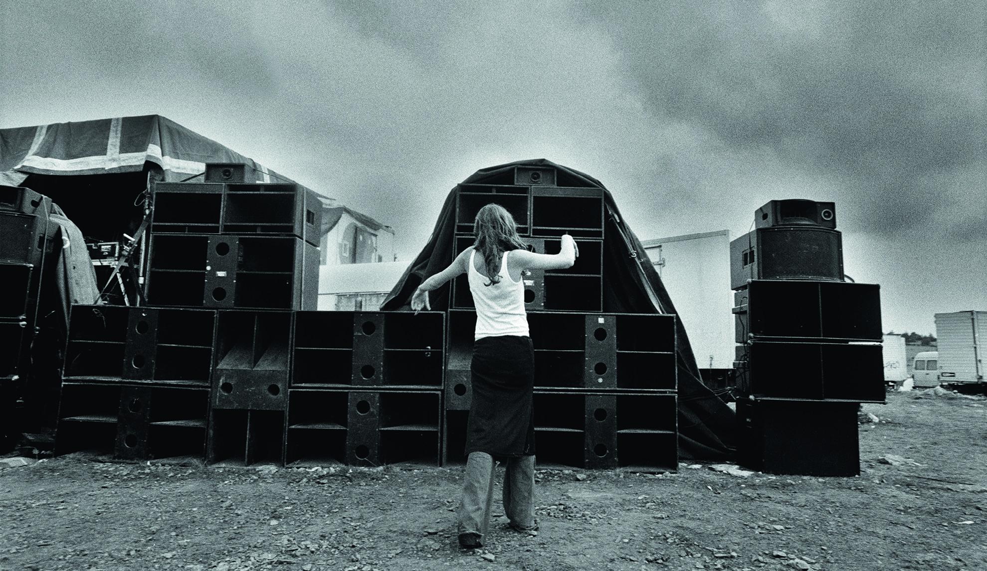 """🔊 De l'acidcore au """"son de teuf"""" : 10 classiques de free party"""